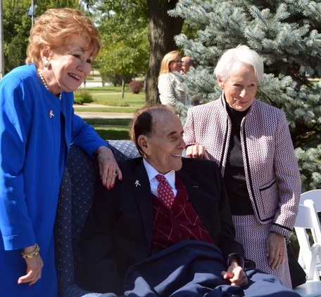 Bob Dole with his wife Sen. Elizabeth Dole on his right and Sen. Nancy Kassebaum.