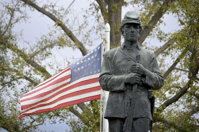new deh county commissionl rifleman statue pic
