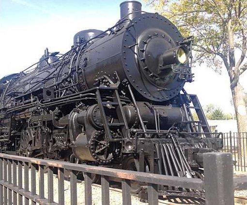 new deh train repainting pic