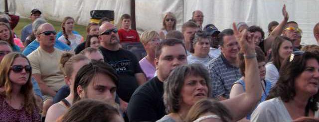 concert-crowd