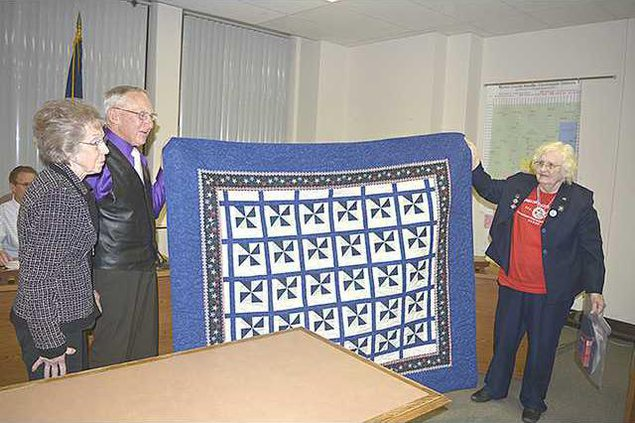 new deh county commission quilt pic web