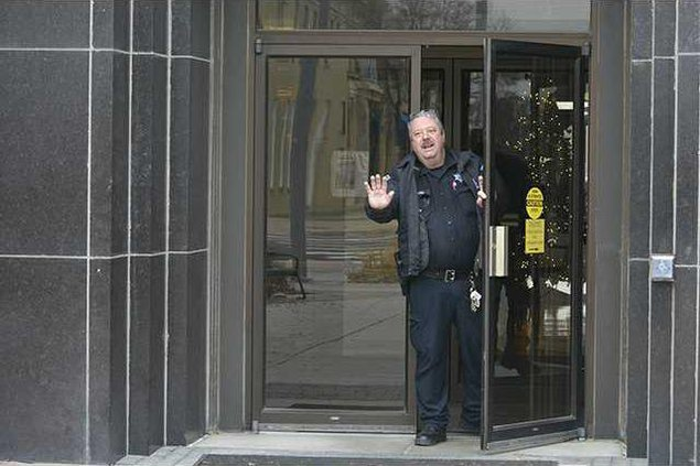 new deh courthouse bomb threat pic web
