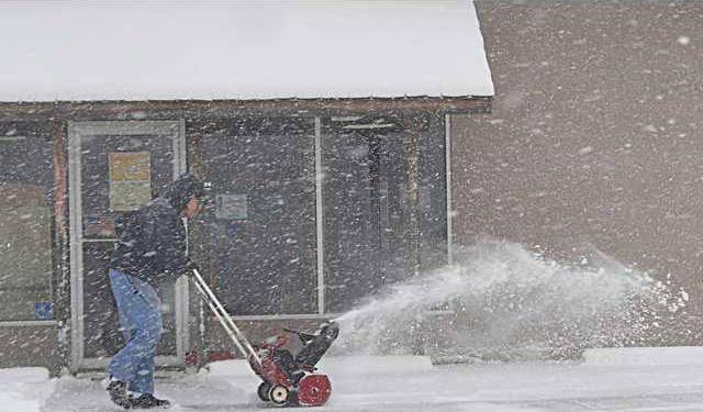 new deh snow blowing pic