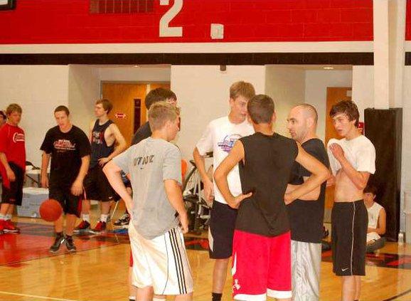 spt mm Chris Battins Basketball Camp