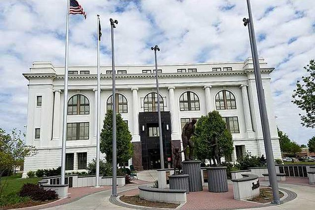 courthouse pic new web