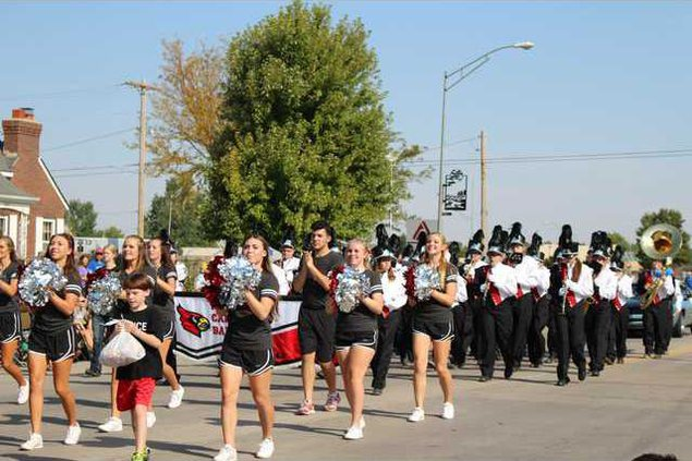 new Vlc labor day parade HHS Band and Cheer