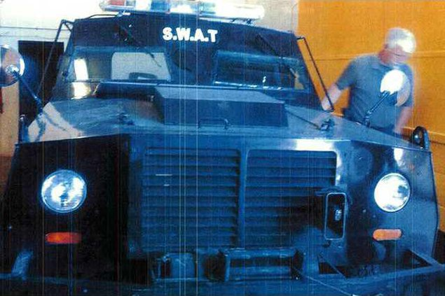 new deh city couincil armored polivr car pic web