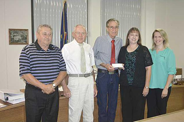 new deh county commission donation photo web