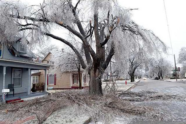 new deh county commission ice damage pic web