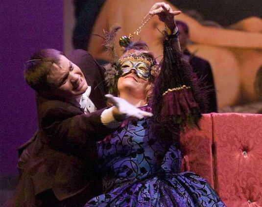new deh pinkall opera pic