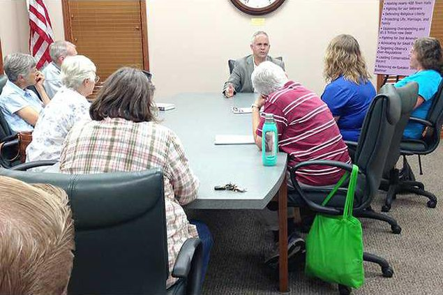 new deh tim huelskamp hoisington meeting pic web