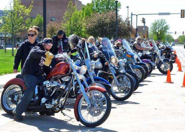 new slt Bikers parade