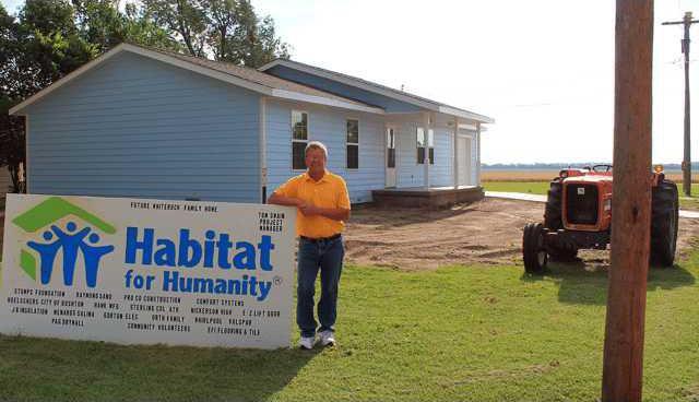 new vlc Bushton-Habitat-build-complete-pic.gif