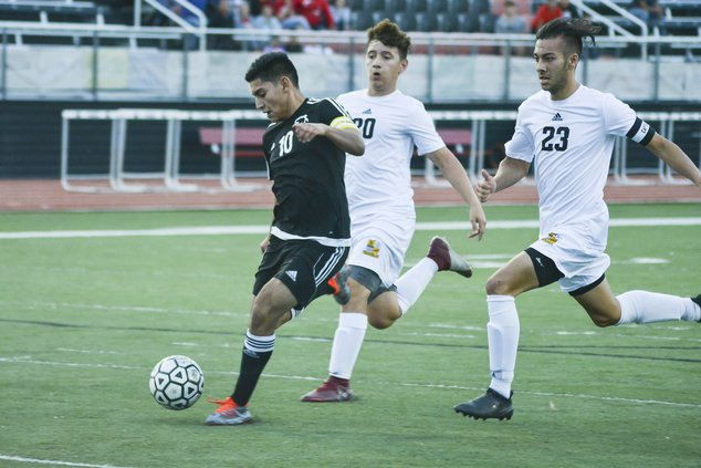spt_HG_Panther's Chiny Sanchez (10) chased a through ball pass then finishes with a goal.jpg