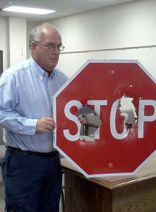 new deh damaged stop sign pic