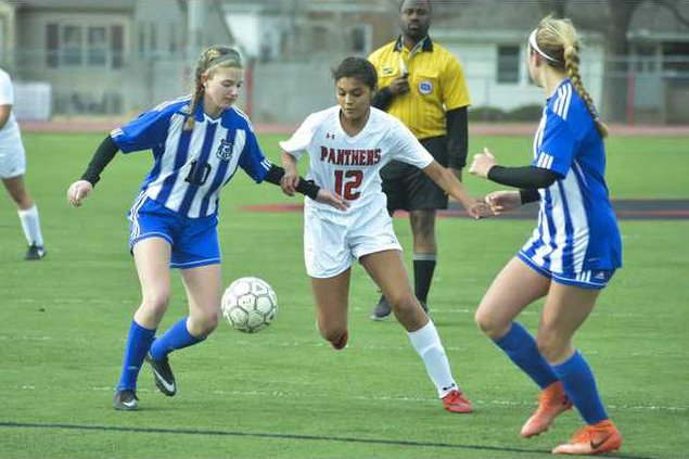 spt HG 12 Briana Perez dribles in between and finishes with a goal.