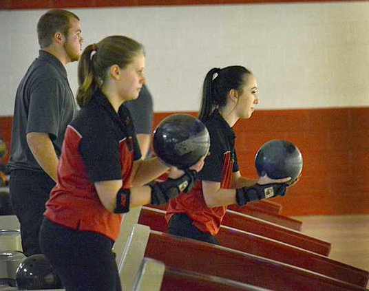 spt deh gbhs bowling v garden city second pic