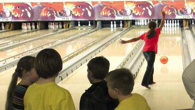 kids bowling 3