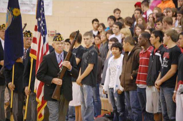 new deh gbhs vets day pic web