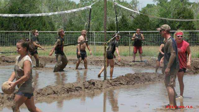 hoi kl mud volleyball