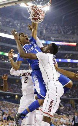 spt ap Kentucky Young dunk