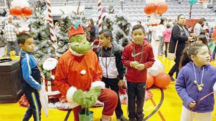 new_slt_santas workshop grinch w kids.tif