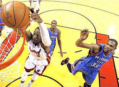 spt mm Dwayne Wade dunk