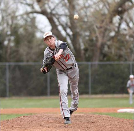 spt jf Alex Barger throws a strike to end the inning