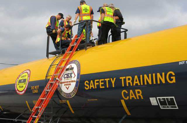 oil deh oil train safety pic