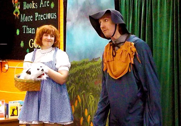 _dorothy and scarecrow2.jpg