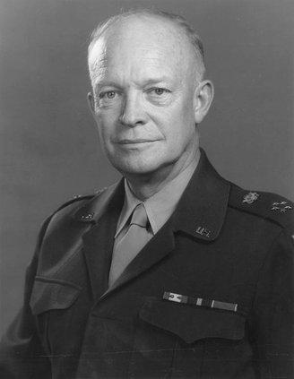 Dwight_D._Eisenhower_1947.jpg