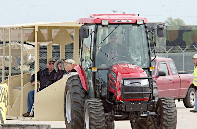 new_deh_farm show volunteers needed pic.jpg