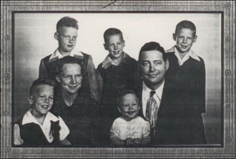 1952_AmerineFamily.jpg