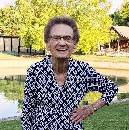 Lois June Holopirek1930 - 2019