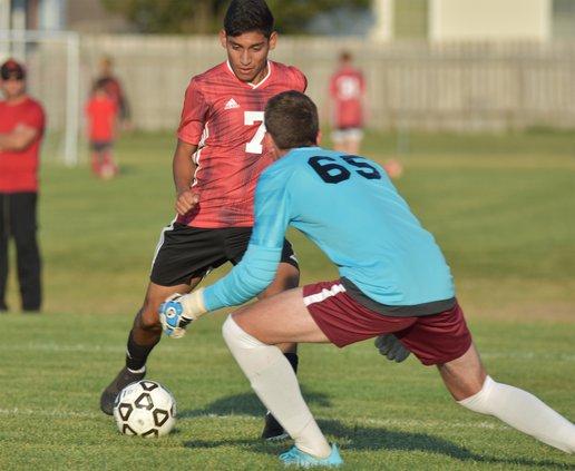 spt_hg_Jesus Sanchez (7) attacks the goalie box and scores.jpg