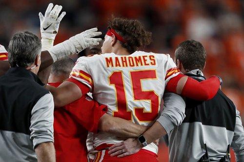 spt_ap_Mahomes injury