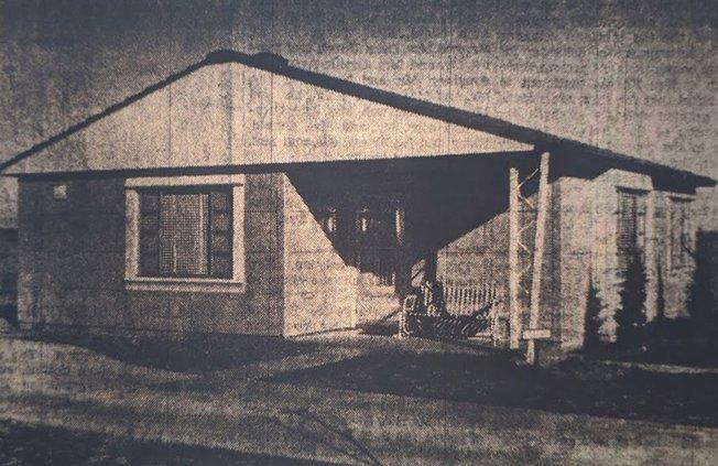 otm_vlc_Great Bend lustron house.jpg