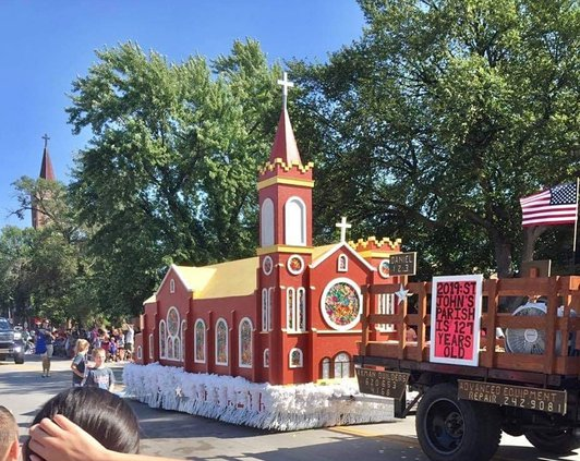 parade float easter 2020