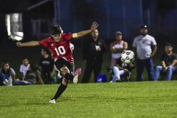 Jaime Arellanes free kickpsd.jpg