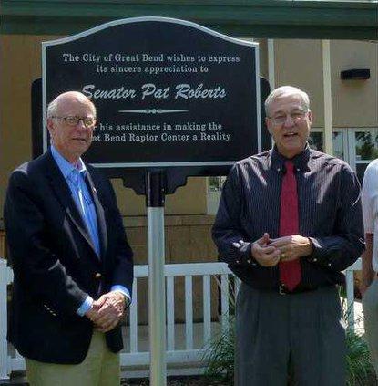 Pat Roberts and zoo sign 2013