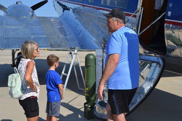 Airfest visitors