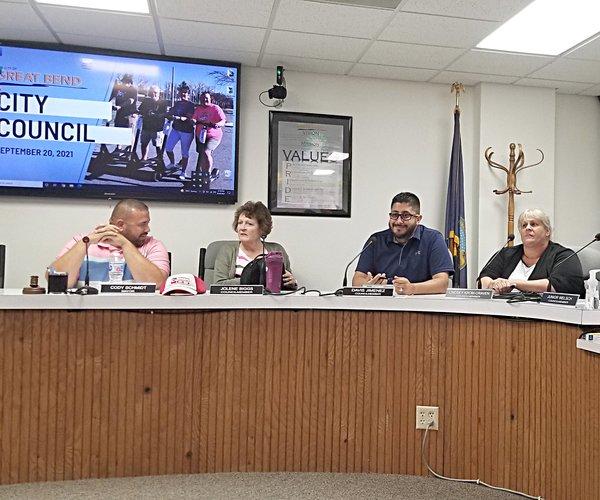council meeting at city hall